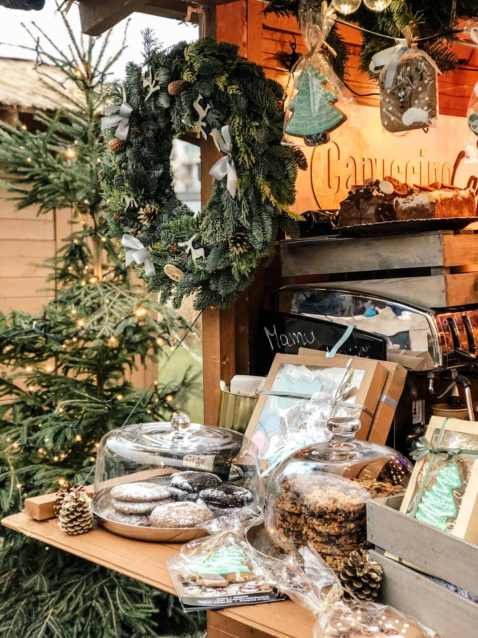 A wreath, gingerbread and cookies at the Christmas market in Gdynia