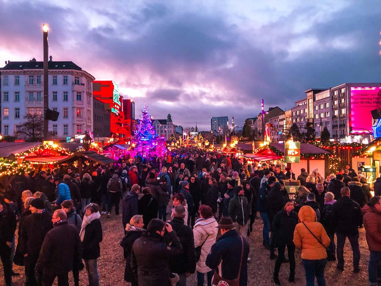 People at the St. Pauli Christmas market