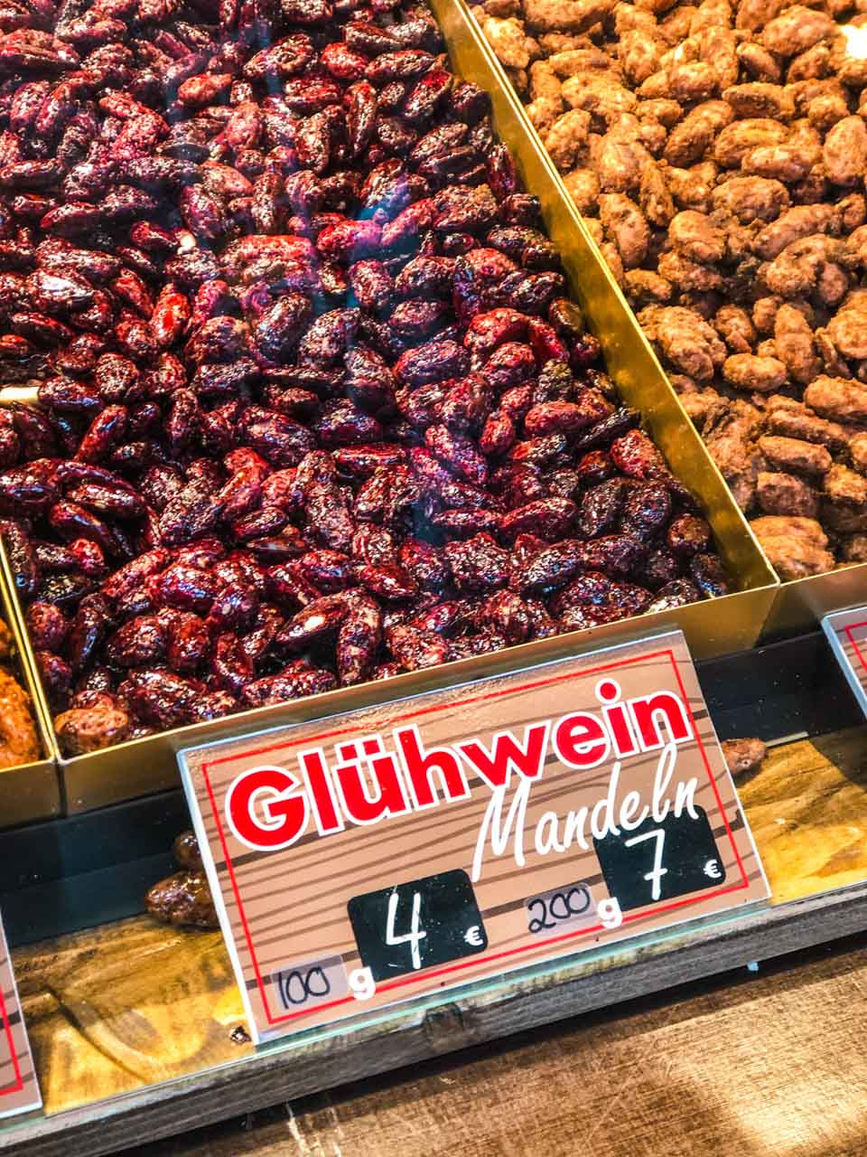 Mulled wine-flavoured roasted almonds at a Christmas market in Hamburg