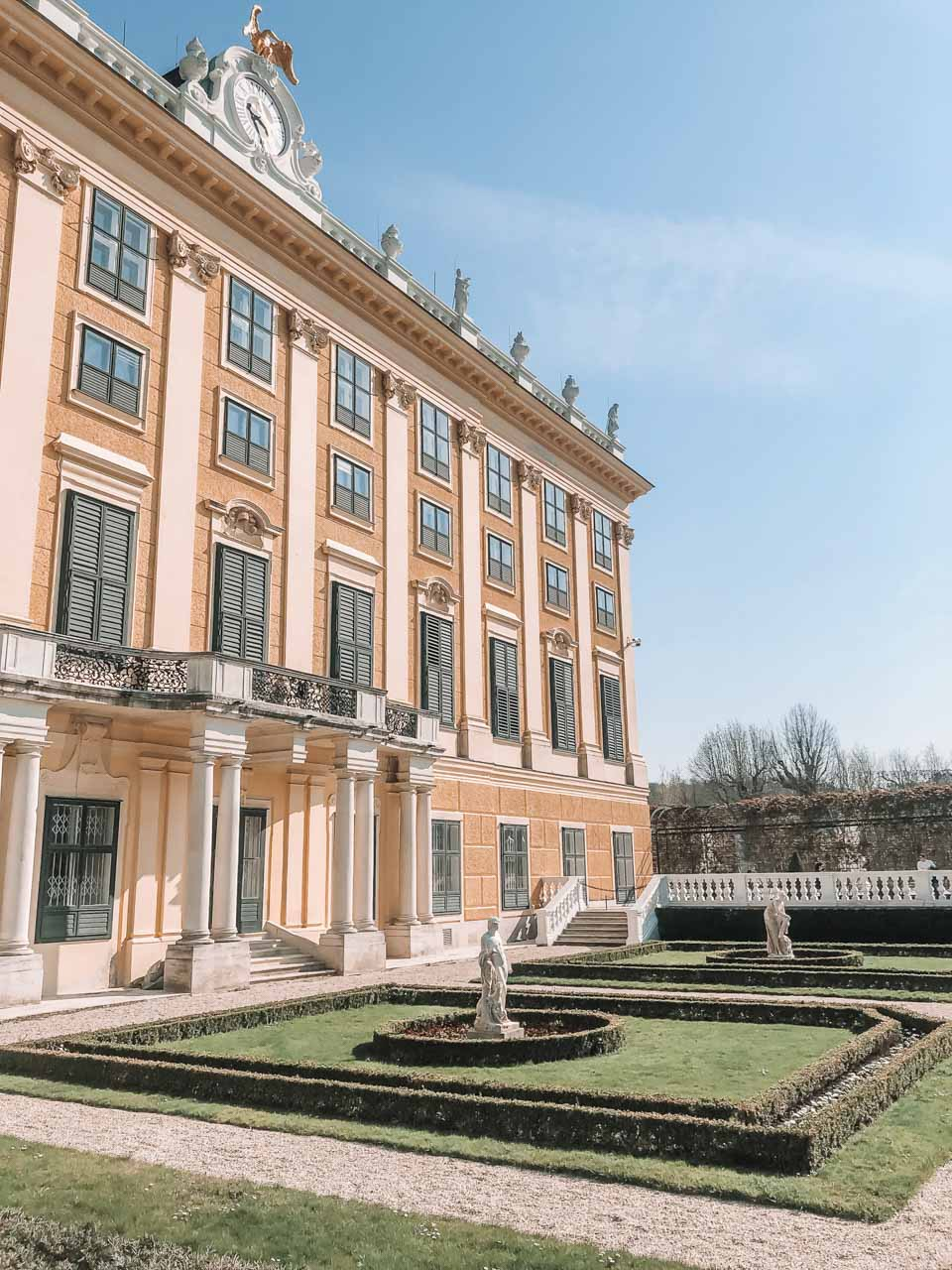 The outside of the Schönbrunn Palace in Vienna, Austria